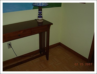 table for tom's computer