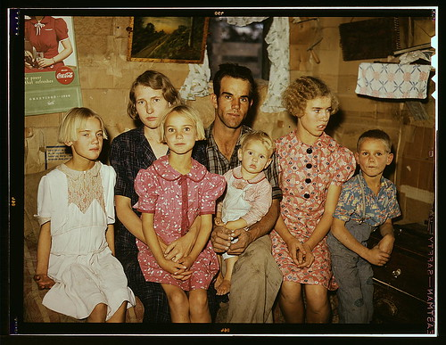 Jack Whinery and his family, homesteaders, Pie Town, New Mexico (LOC)
