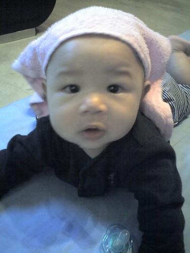 08-11-07_lil pink hanky-CU
