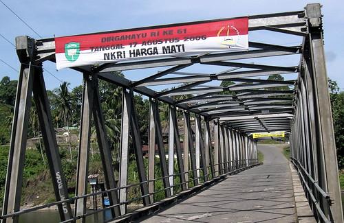 """""""NKRI HARGA MATI"""" signs in Aceh"""
