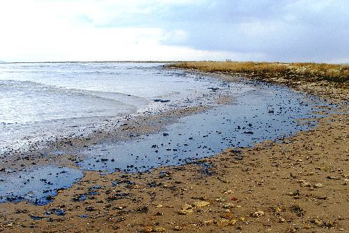 Black Sea Spill by marinephotobank.