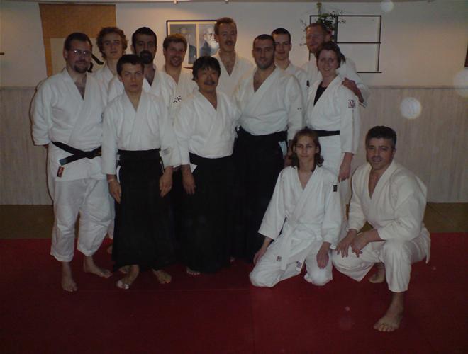 group picture @ Iyasaka dojo