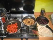 Spaghetti con olive fritte, pomodorini e mollica | Gli ingredienti