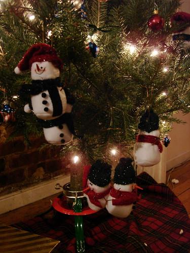 Monkey's got mad tree decoratin' skillz