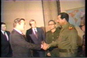 Среща на Саддам Хюсеин и доналд Рълсфелд през 1983