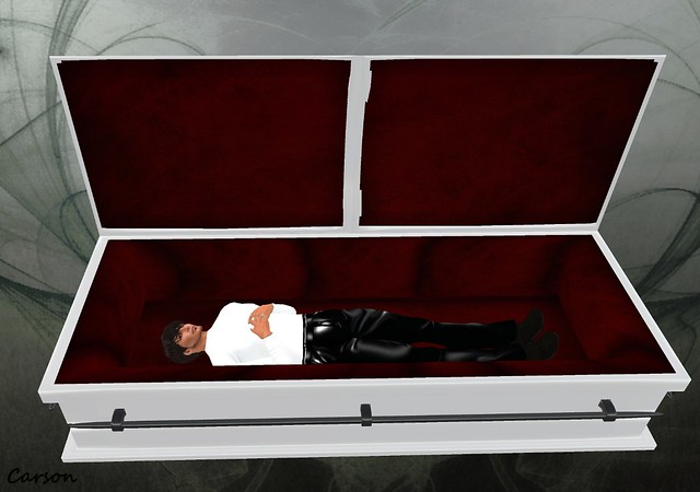 Six Feet Under - White Coffin