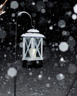 Bokeh Snow Lamp
