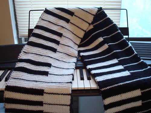 Doublke knit piano scarf
