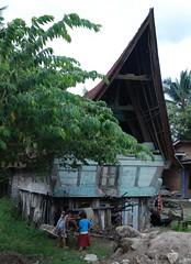 Batak Kids / House by Ben Peters