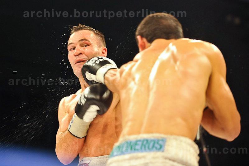 Dejan Zavec vs. Rodolfo Ezequiel Martinez 20100409_9260