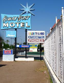Hiway Host Motel