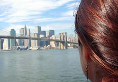 mirando al puente y manhattan