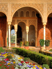 Generalife garden - Alhambra - Spain (Nino H) Tags: architecture garden spain jardin palace andalucia alhambra granada espagne hdr generalife espagna palacio mywinners andalucie aplusphoto favoritegarden