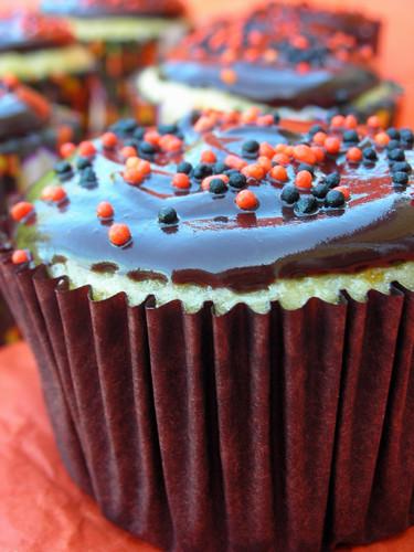 Bostini cream cupcakes
