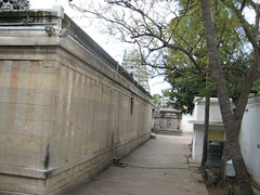 Left side of the Outer Praharam - Thiruaavinankudi