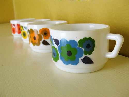 New pyrex cups from Kristy (Vintage Pleasure).