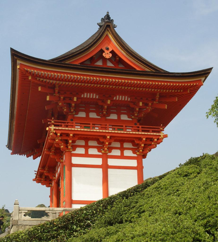 japan kyoto kiyomizu-dera gate