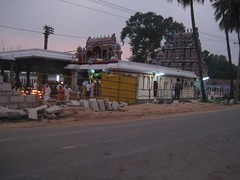 Temple just next to the Uthukottai-Thirupathy main road