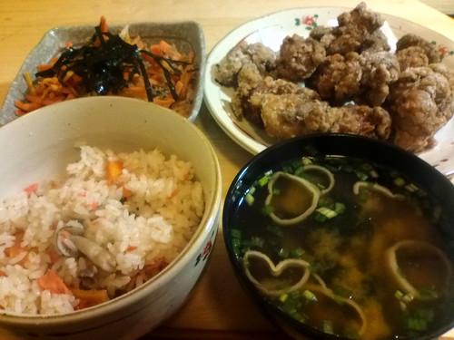 一汁三菜(1つは炊き込みご飯)