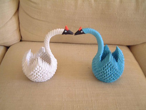 origami-two swans