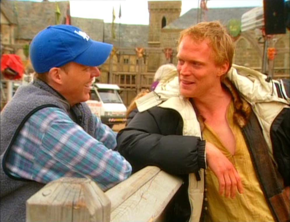 Brian Helgeland and Paul Bettany on set of A Knight's Tale, 2001