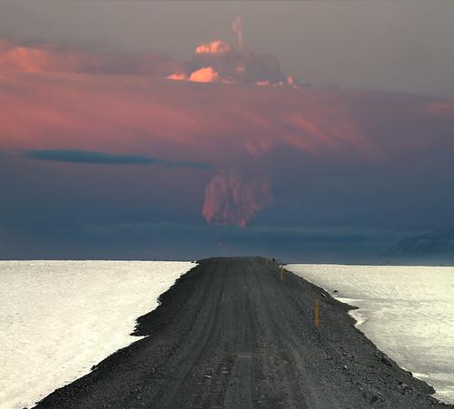 Ísland í dag snjór og gos ;)// Iceland today Fire and Ice by Sverrir Thor