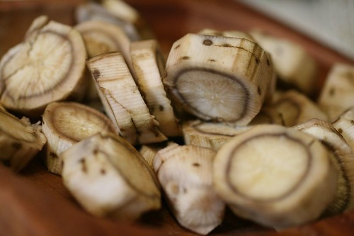 Burdock root slices