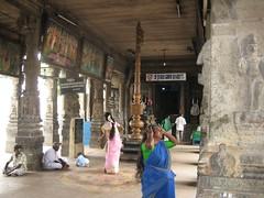 Entrance to sanctum sanctorum - Thiruaavinankudi