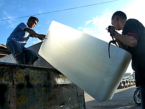 ice workers  Buhay Pinoy Philippines Filipino Pilipino  people pictures photos life Philippinen  菲律宾  菲律賓  필리핀(공화�)