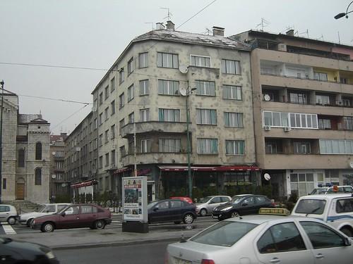 Urme de gloante pe o cladire in Sarajevo
