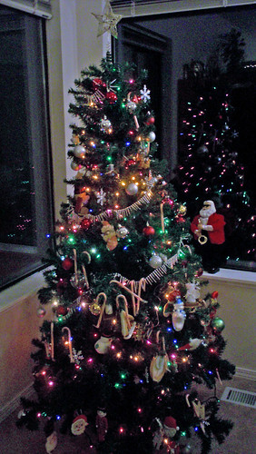 tree-decorating-013