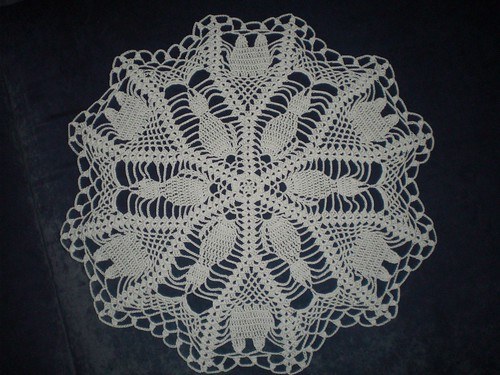 * What a wonderful doily for a cat lover!  :)