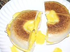 EGG & CHEESE BAGEL SANDWICH