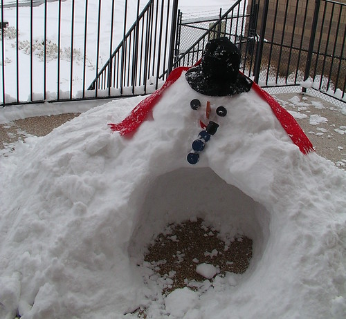 snowman snowcave
