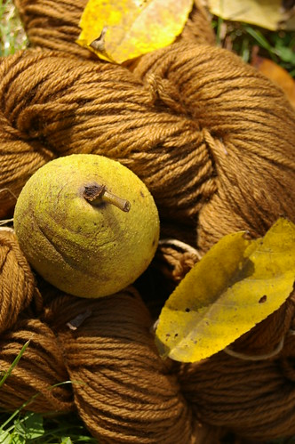 walnut dyed yarn 2