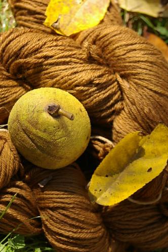 walnut dyed yarn 2
