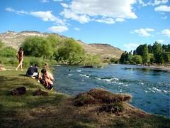 Junín de los Andes - Baño en el Chimehuin
