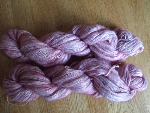 Yarn dyed with food colouring