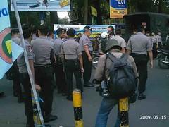 Polisi Sudah Lengkap dengan Peralatannya
