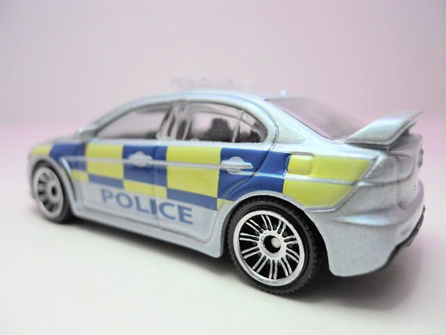 matchbox mitsubishi evolution x polizia (3)