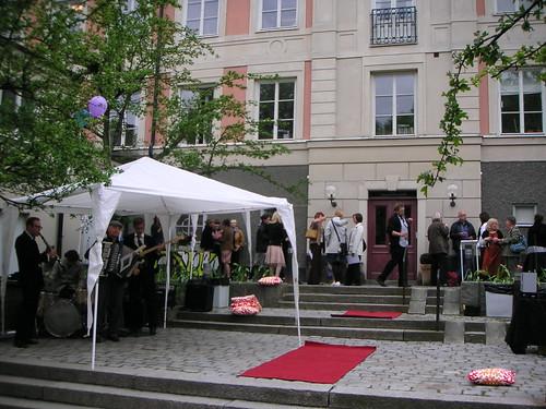 outside hv-skolan