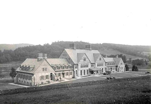 admin building 1928