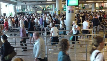 Haven't seen security lines this long since the UK (by kalleboo)