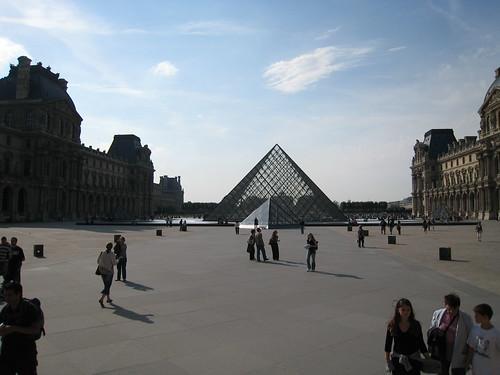 Les pyramides du louvre