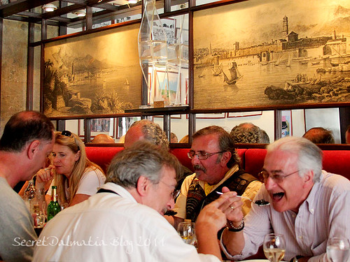 A group of Italians at the next table