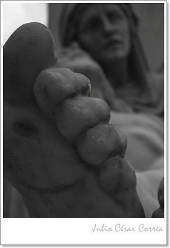 A los pies del señor by Julio César Correa