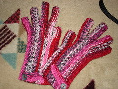 garter st. gloves