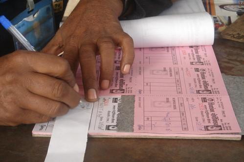 Jaipur加油店1-8開收據沒有發票