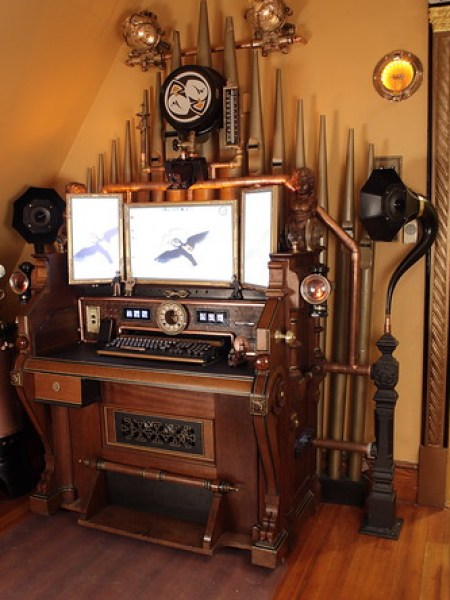 Steampunk-organ-cockpit-desk (1)