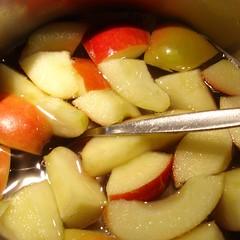 Apfelschnitze kochen